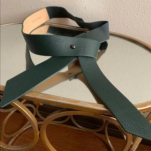 Dark green THE LIMITED leather belt